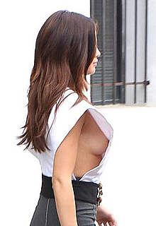 Selena Gomez shows sideboob paparazzi shots
